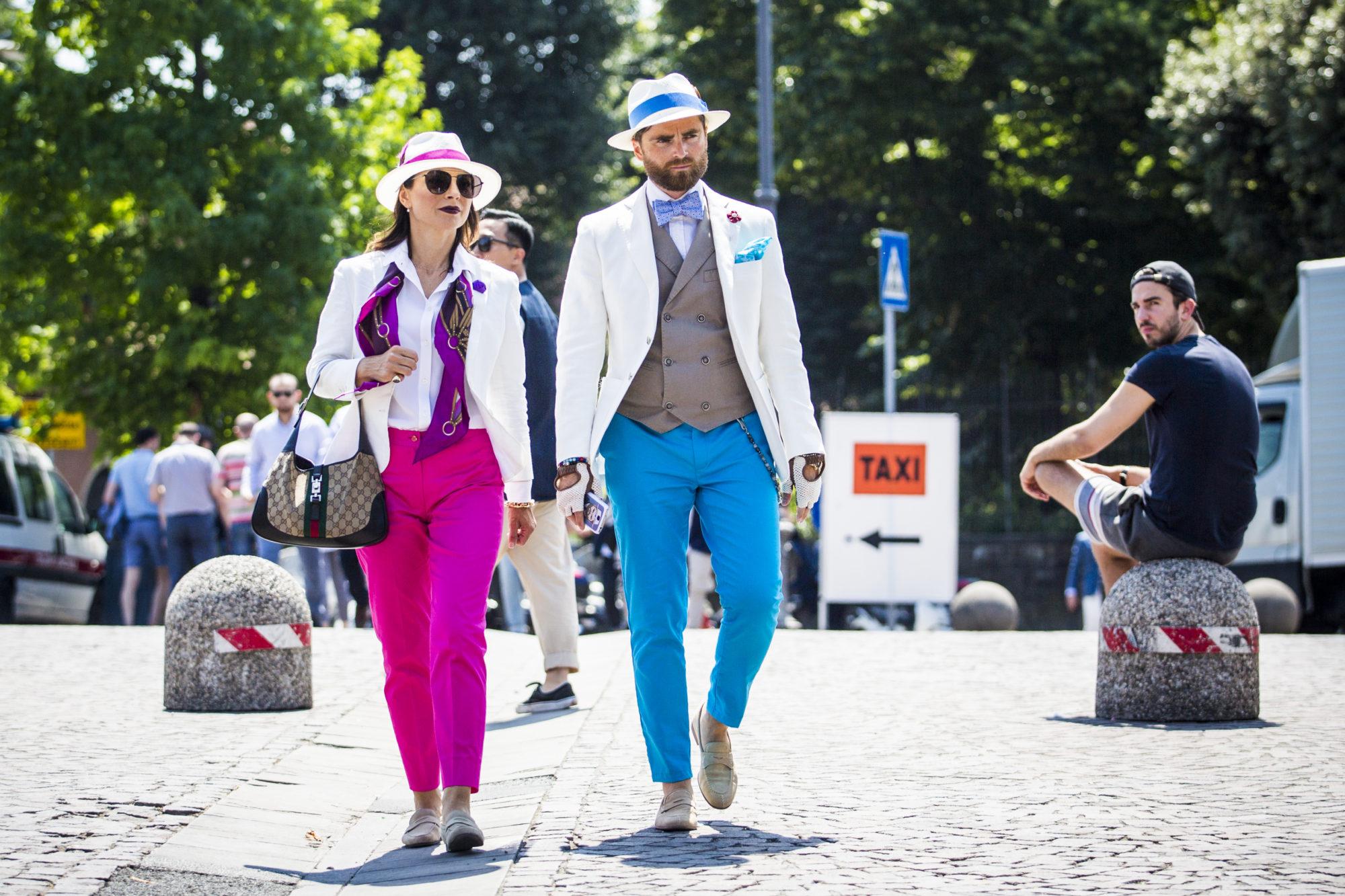 8598ff031f64 Az évszázadok során a mellény megjelenése finomabbá vált: a 19. században a  zakó alól kivillanó ruhadarab továbbra is nagy népszerűségnek örvendett, ...