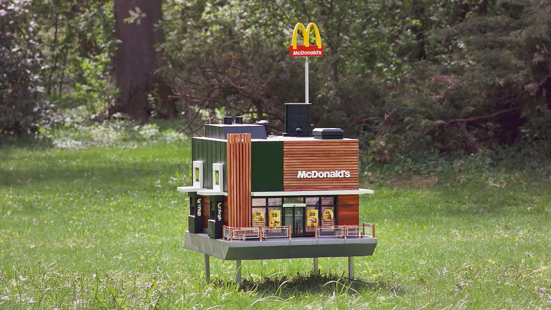 flowers, plants, nature, bees, insects, McDonald's, The world's smallest McDonald's, McHive, restaurant, franchisees, Sweden, Nord DDB,